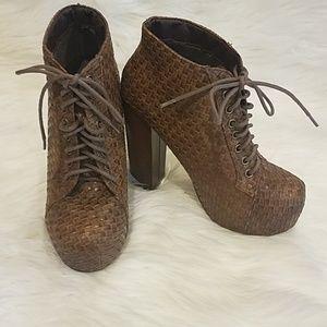 Vintage Brand heeled Booties sz 6